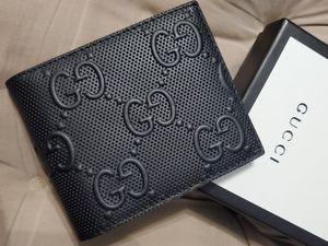 💥NWT Men's Gucci Black Embossed GG Wallet for Sale in Queens, NY