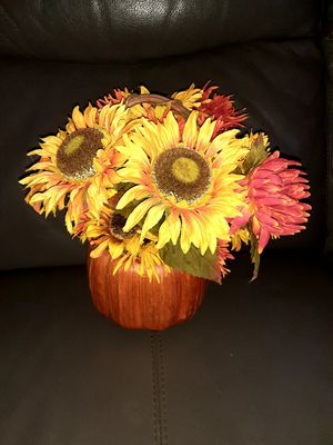 Thanksgiving centerpiece for Sale in Springfield, MA