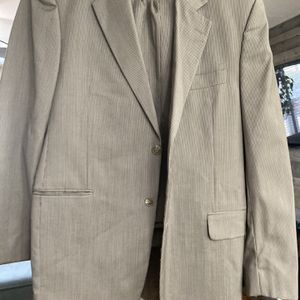 Free Men's Clothes (Buttoned Down Shirts, Suit, Jackets) for Sale in Hampton, VA