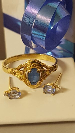 Beautiful Set 10k Real Gold Ring and Earring, Topaz stone, the Earrings do not have the back side, 2.00grs, Ring Sz 7 for Sale in Covington, KY