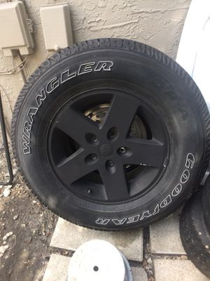 Jeep Wrangler Wheel for Sale in Pembroke Pines, FL