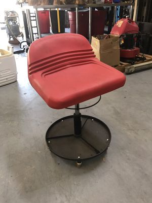 Adjustable swivel shop chair stool on wheels automotive for Sale in Altamonte Springs, FL