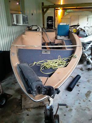16 ft bass boat 700 for Sale in Okeechobee, FL