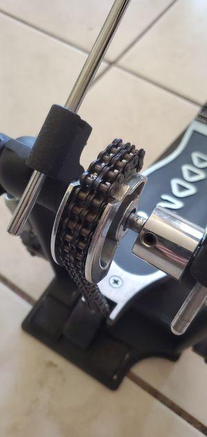DW 2000 double pedal for Sale in Phoenix, AZ