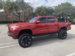 2017 Toyata Tacoma ex can for Sale in Tamarac, FL