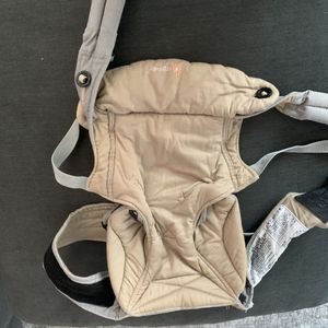 Ergobaby 360 baby carrier for Sale in Escondido, CA