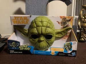 Star Wars Yoda Electronic Mask. for Sale in Los Angeles, CA
