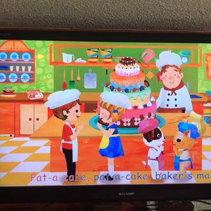 55 Inch Simple Tv With Ruku Stick for Sale in Puyallup, WA