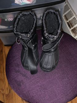 Snow Boots Toddler Size 6 for Sale in The Bronx,  NY