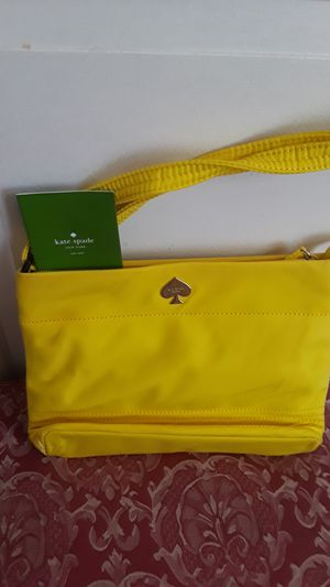 Gorgeous KATE SPADE NEW YORK yellow bag. Excellent condition. for Sale in New York, NY