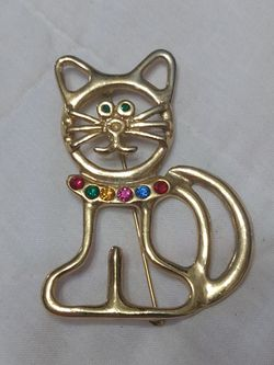 Gold tone kitty cat brooch with rhinestones for Sale in Dallas,  GA
