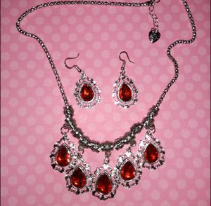 Nwt Betsey Johnson Red Crystal Necklace Set for Sale in Wichita, KS