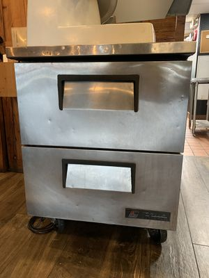 True TUC-27F-D-2 Undercounter freezer with drawers for Sale in Cheshire, CT