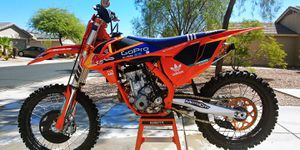 2016 KTM 250SXF Factory Edition ONE OWNER/TITLE IN HAND for Sale in Goodyear, AZ