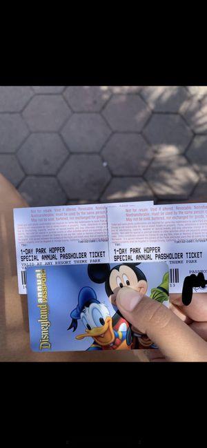 Disneyland hopper tickets for Sale in Phillips Ranch, CA