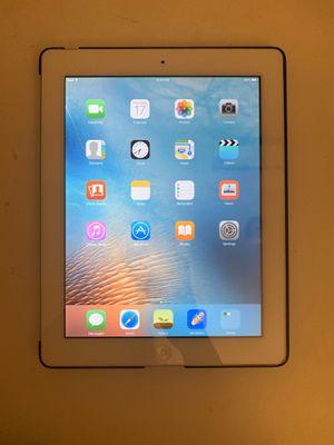 iPad 2 (32 GBS) for Sale in Merced, CA