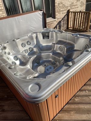 Cal Spa Hot Tub for Sale in Lockport, IL