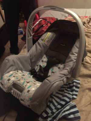 Evenflo car seat for Sale in Knoxville, TN