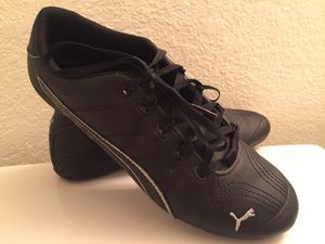 Puma women's sneakers/ shoes for Sale in Las Vegas, NV