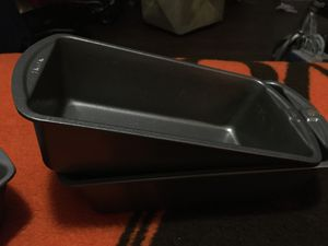 2 of each Good cook cake and bread pans and 1 of each no name and am adding to 9x13 cake pans one with lid for Sale in Austin, TX