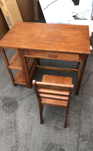 Kids desk and big kid crib/bed for Sale in Oakland, CA