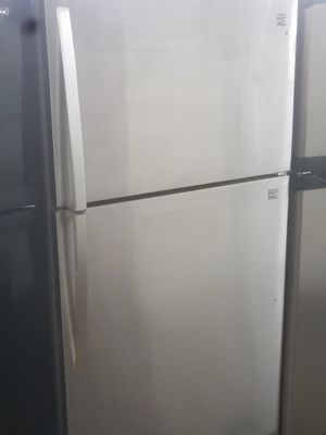 Kenmore silver top refrigerator 33 inches for Sale in Paterson, NJ
