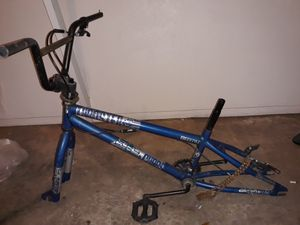 Bmx freestyle bike frame. 20inch. Good condition. Missing 1 pedal and both wheels. for Sale in Phoenix, AZ