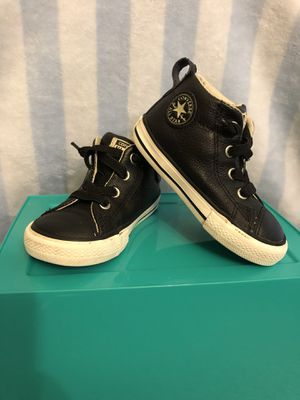Size 6c black leather toddler converse. for Sale in Everett, WA