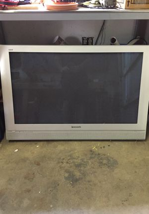 """Panasonic TV 41"""" for Sale in Los Angeles, CA"""