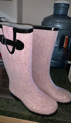 Rain boots good condition for Sale in Oceanside, CA