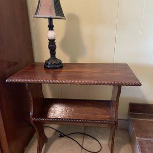 Unique Antique End Table for Sale in Modesto, CA