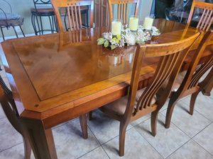 Dining room set for Sale in Avondale, AZ
