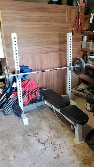 Bench press from fitness gear and 250lbs of weight for Sale in Miami, FL