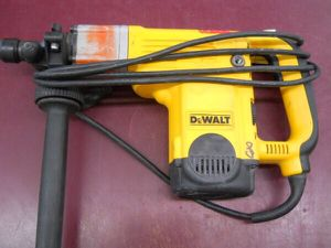 DEWALT BIG SDS ROTARY HAMMER DRILL - PRICE IS FIRM / NOT NEGOTIABLE for Sale in Columbus, OH