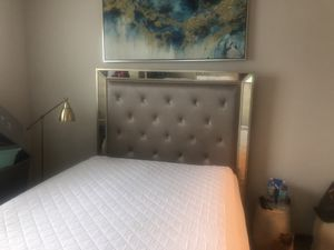 American signature Angelina queen bed frame for Sale in Lockhart, FL