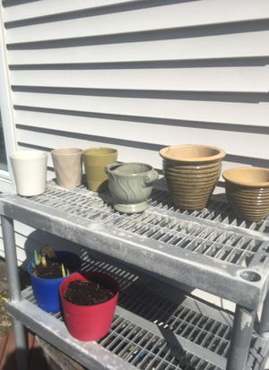 Free Flower pots for Sale in Germantown, MD