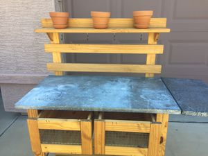 Plant work station stand for Sale in Goodyear, AZ