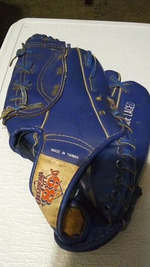 oklahoma city 89ers baseball glove for Sale in Oklahoma City, OK