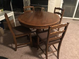Dining table for Sale in Gilroy, CA
