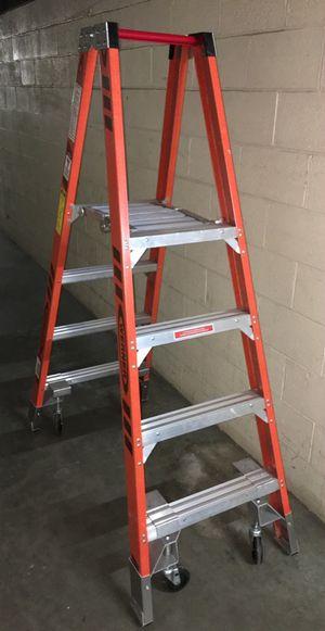 Warner 4 ft Type IA Fiberglass Platform Ladder w/casters (Model #PT7404-4C) for Sale in Braintree, MA