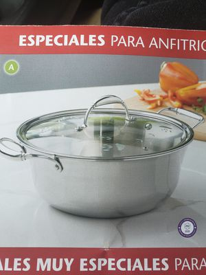 Princess House Tri-Ply Stainless Steel 6 Qt. Dutch Oven - NEW for Sale in Rialto, CA
