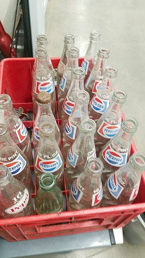 Antique Pepsi and Double Cola pop bottles for Sale in Maple Valley, WA