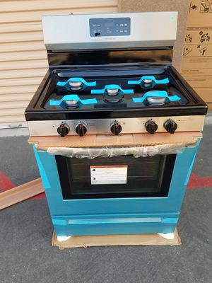 frigidayre black and stenless gas stove for Sale in Tustin, CA