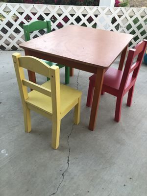 Kids Little Table with three chairs for Sale in Escondido, CA