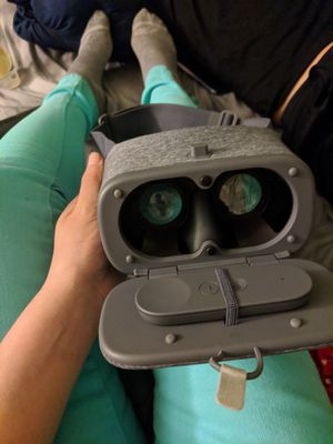 Google daydream goggles (virtual reality) for Sale in San Diego, CA