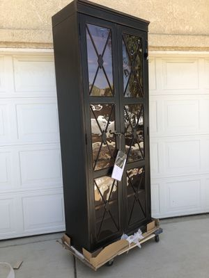 Brand new solid wood hooker brand display cabinet with antique style glass. Retails for $1500 for Sale in Fowler, CA