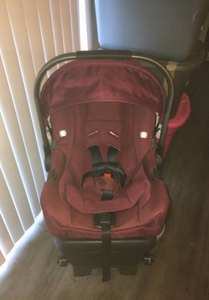 NUNA PIPA INFANT CARSEAT W/BASE for Sale in Gresham, OR