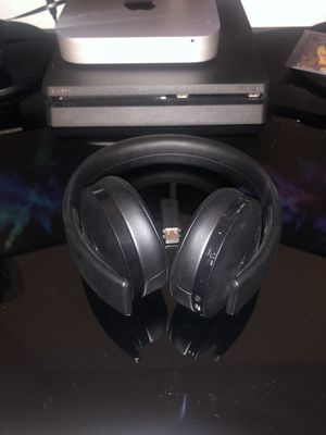 PlayStation Gold Wireless headset for Sale in Los Angeles, CA