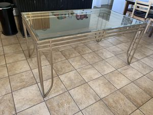 Glass dining table - seats 6 - Victoria Texas - no chairs... just the table for Sale in Victoria, TX