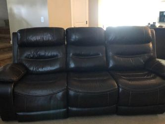 Leather Dual Reclining Ends Couch for Sale in Kent,  WA